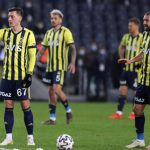 Gökhan Gönül, Caner Erkin and Ozan Tufan gathered the team in Fenerbahçe where things were not going well!  Unity message given